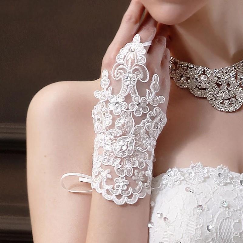 Guantes de novia corto 2021 guantes sin dedos de novia para la Mujer blanca de la novia del cordón de marfil con cuentas Luva de Noiva Novias Accesorios AL7636