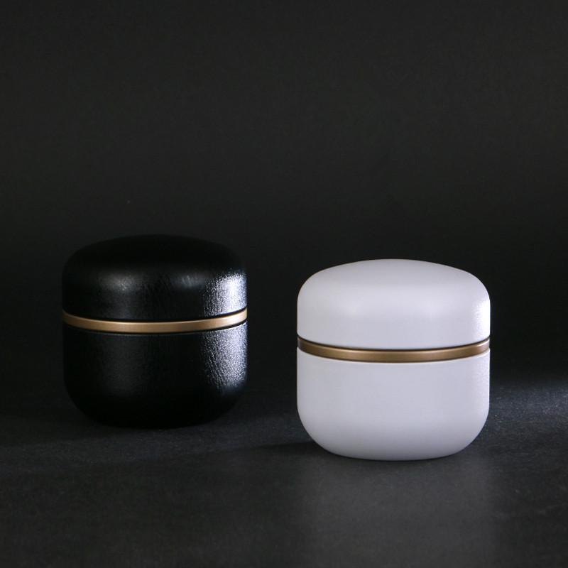 freies Verschiffen 85 * 87mm schwarz weiß rot gold Wrinkle Öl Sealed Hochzeit Metalldose Geschenk Kuchen-Boxen, LCG4