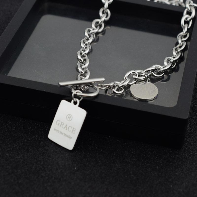 Moda femminile in acciaio pezzo lettera piazza Collier LOVE netta collana a catena rosso caldo di vendita