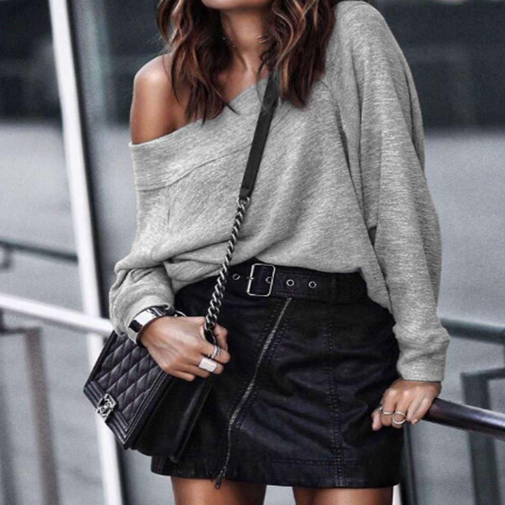 T-shirt allentata a maniche lunghe versatile e inverno