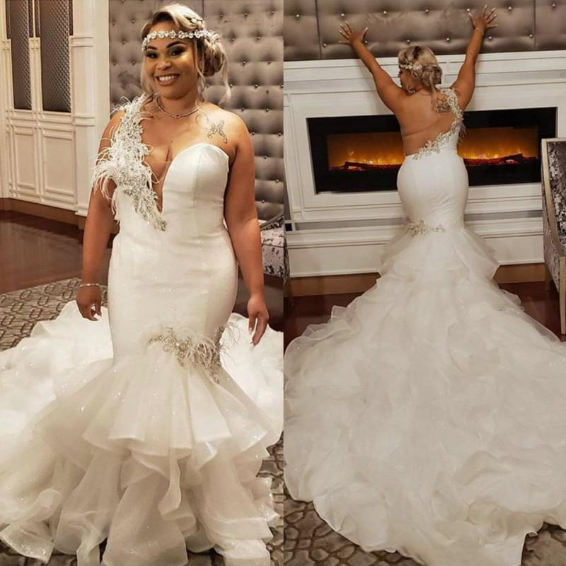 2021 Plus Size Mermaid Wedding Dresses With One Shoulder Lace Appliqued Feather South African Lace Backless Wedding Bridal Gowns