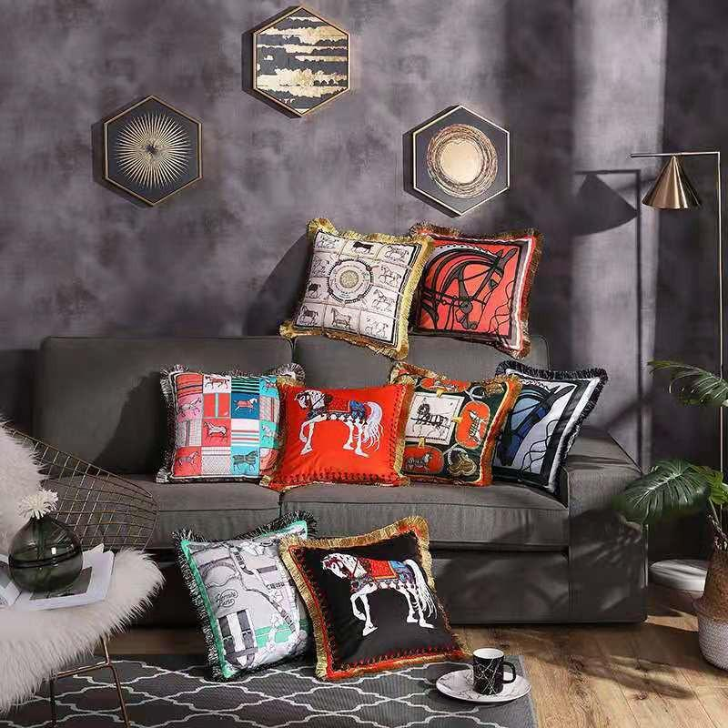 European Luxury Pillowcase Fringed Cushion Cover for Sofa Car Letter Horse Printed Pillow Cover Cases 45x45cm Home Decoration