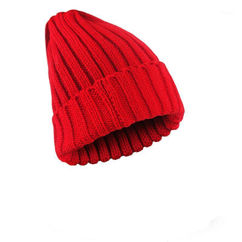 قبعة / جمجمة قبعات 2021 إمرأة الرجال الدافئة الشتاء محبوك القبعات السيدات أزياء عارضة الصلبة القطن بيني hats1
