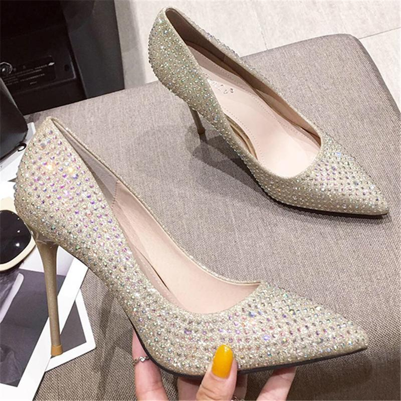 2020 mujeres del verano Fetiche 10 cm de alto plata oro tacones sandalias de la señora punta estrecha Bombas vestido de boda del oro de lujo femenina Oficina de zapatos