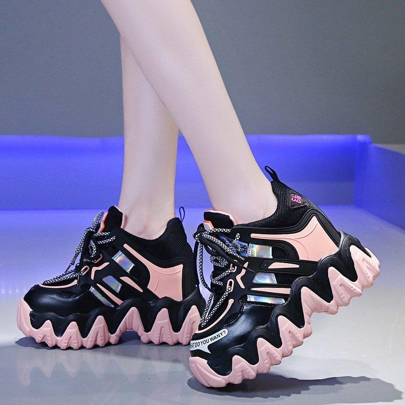 2021 Die neue chunkige versteckte Plattform Heels Rosa Laser Frau dicke vulkanische Frauen Spitze zu Schuhe Damen SQE0