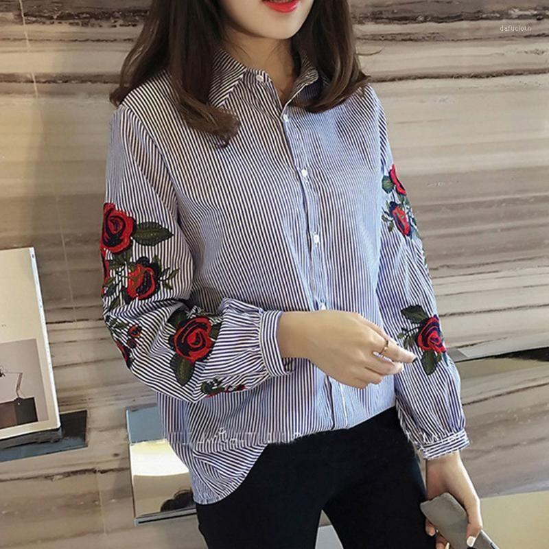 Chemise de chemisier brodée florale Femmes Slim Tops blancs à manches longues Blouses Femme Office Shirts Plus Taille1