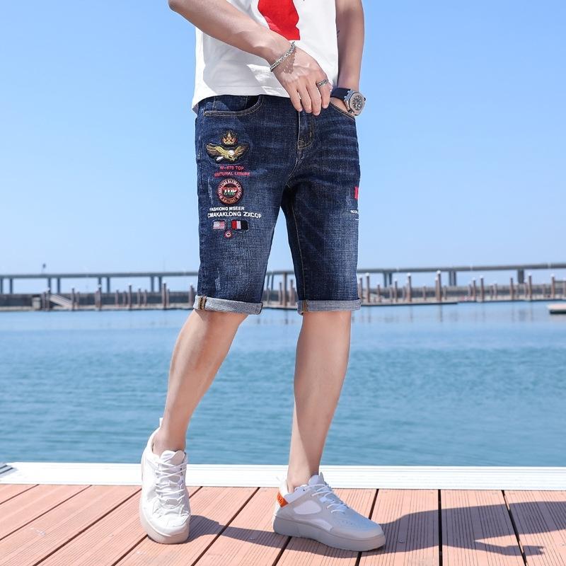 Été mince brodé pantalon moyen de denim Shorts hommes hommes à la mode respirant droite en vrac