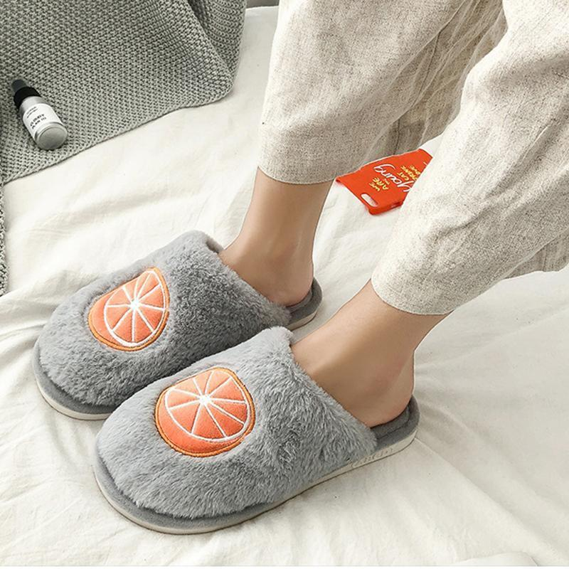 Swqzvt крытый пушистые тапочки женщины 2020 фруктовые печати спальня меховые горки женские туфли нескользящая плоская мягкая домика пола самки женское askper1