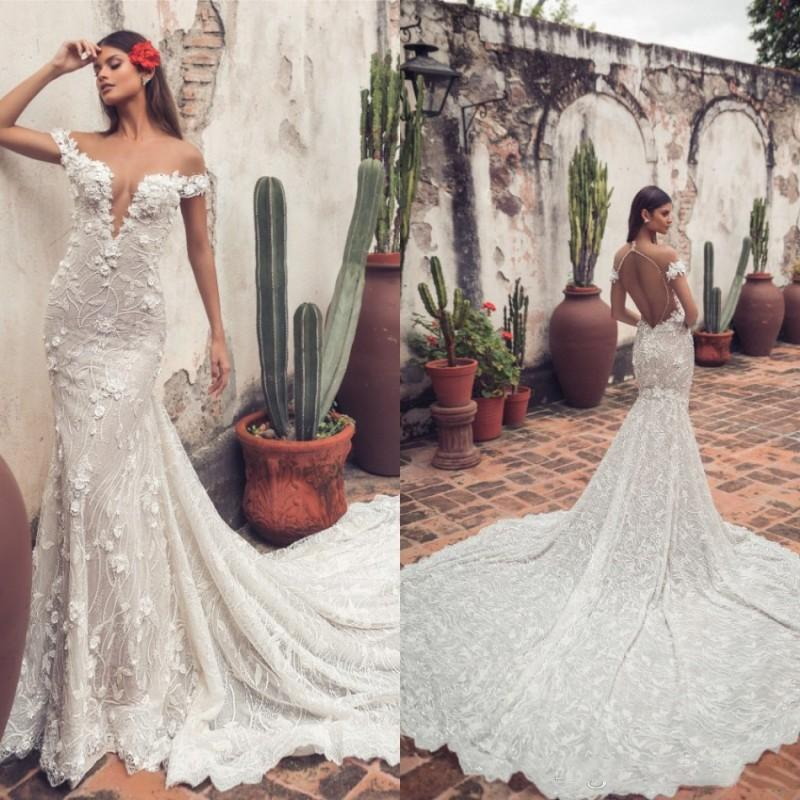 Abiti da sposa Julie Vino Mermaid fuori dalla spalla merletto di Applique Backless abito da sposa d'epoca Corte dei treni robe de mariée
