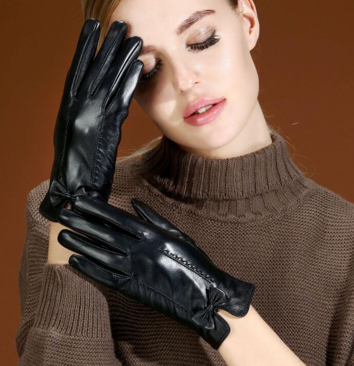 guante de piel de oveja caliente natural de la moda del cuero delgada pantalla táctil de conducción de señora guante pequeño arco del cuero genuino de las mujeres R3070