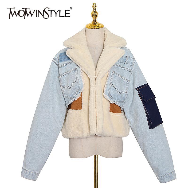 Twotwinstyle Patchowrk Lambswool Jeansjacke für Frauen Revers Langarm-Tassel beiläufigen Mantel Weiblich 2020 Winter Fashion New Tide