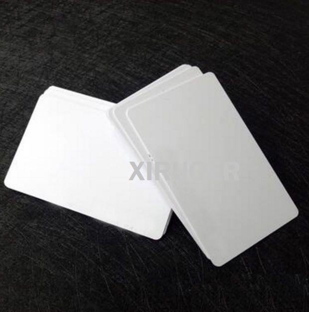 200pcs 13.56 MHz Key FOB RFID NFC tarjeta con película para impresora Insignia Equipaje PVC Nombre RFID TAG NFC 213 Tarjeta en blanco
