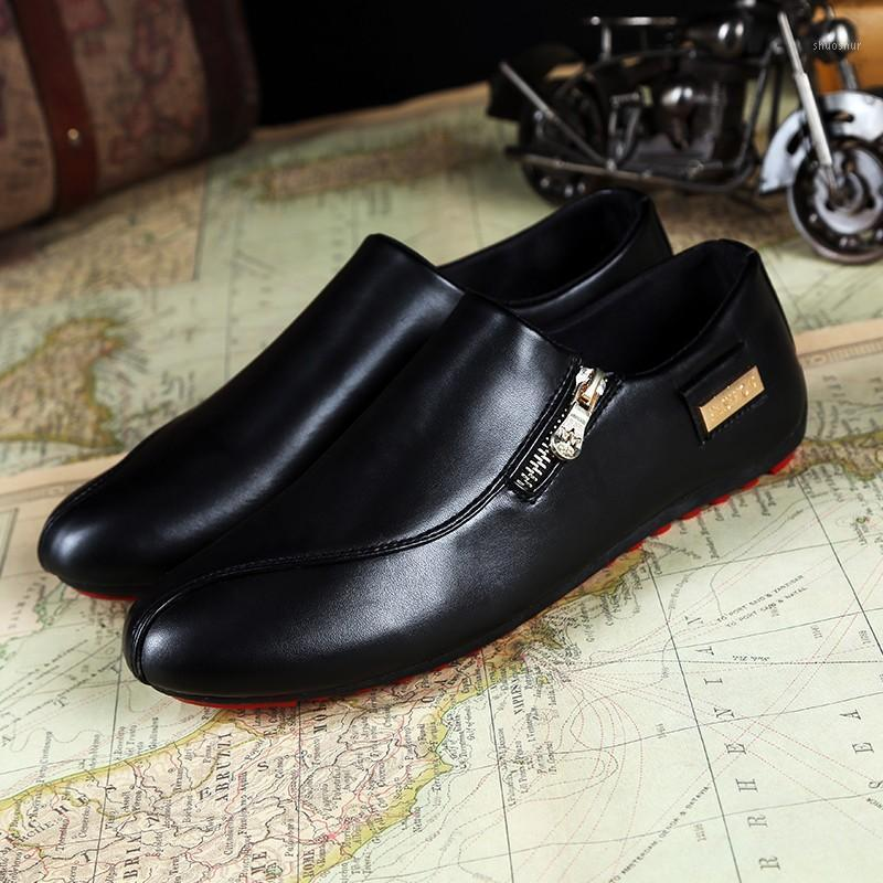 Sapatos de vestido Atacado - Homens Flats White Plataforma Casual Apontado PU Couro Masculino Mocassins Respirável Plus Tamanho 39-45 Or6426751
