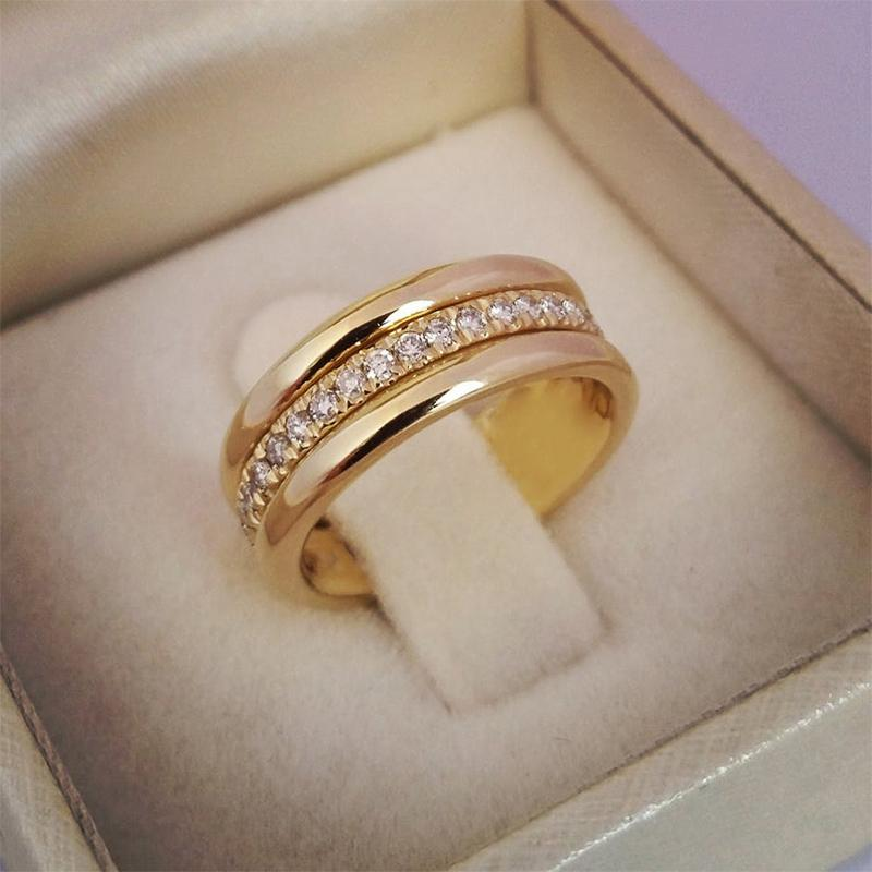 Classic Wedding Women Ring Simple Finger Rings With Middle Paved CZ Stones Understated Delicate Female Engagement Jewelry