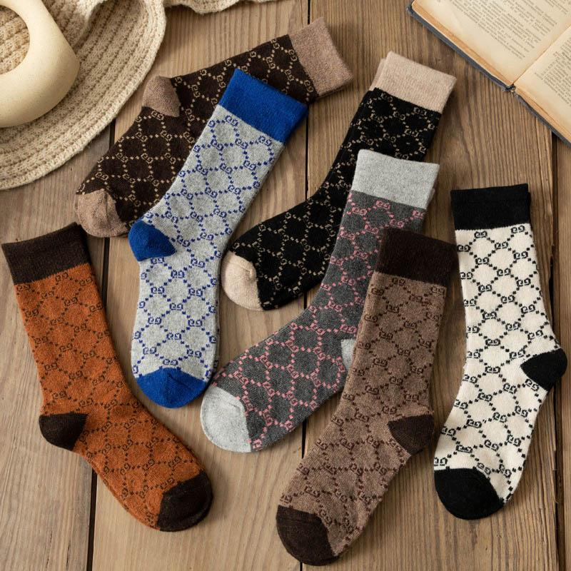 Women Winter Socks 5 Pairs Thick Knit Wool Soft Warm Casual Crew Socks Vintage Style Colorful Socks for Women