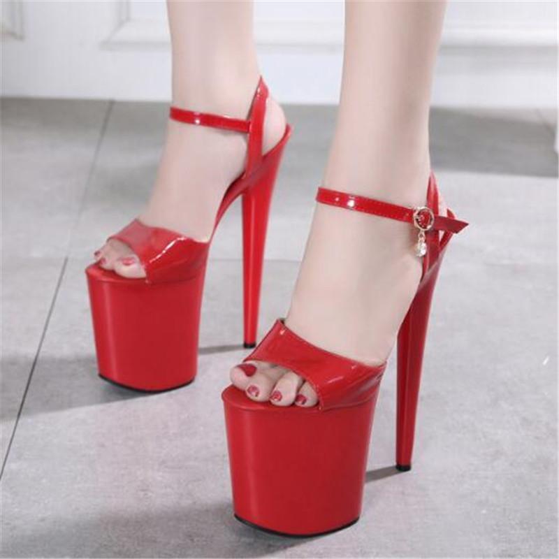 Heiße Verkäufe Sommer Stil Sexy Frauen Sandalen Lackleder Schnalle 20 cm Dünne High Heels Open Toed Wasserdichte Plattformschuhe Frau
