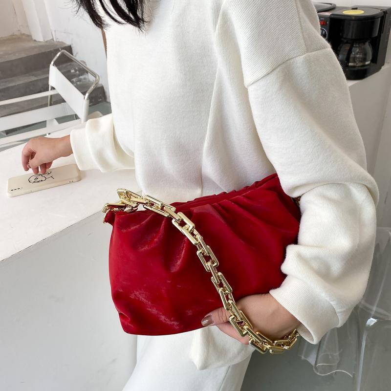 Цепи сумки на ремне сумки Роскошные женщины сумки конструктора 2020 Velvet сцепления сумка ретро Облако сумка сумки кошелек женщин Totes Bolso C1020