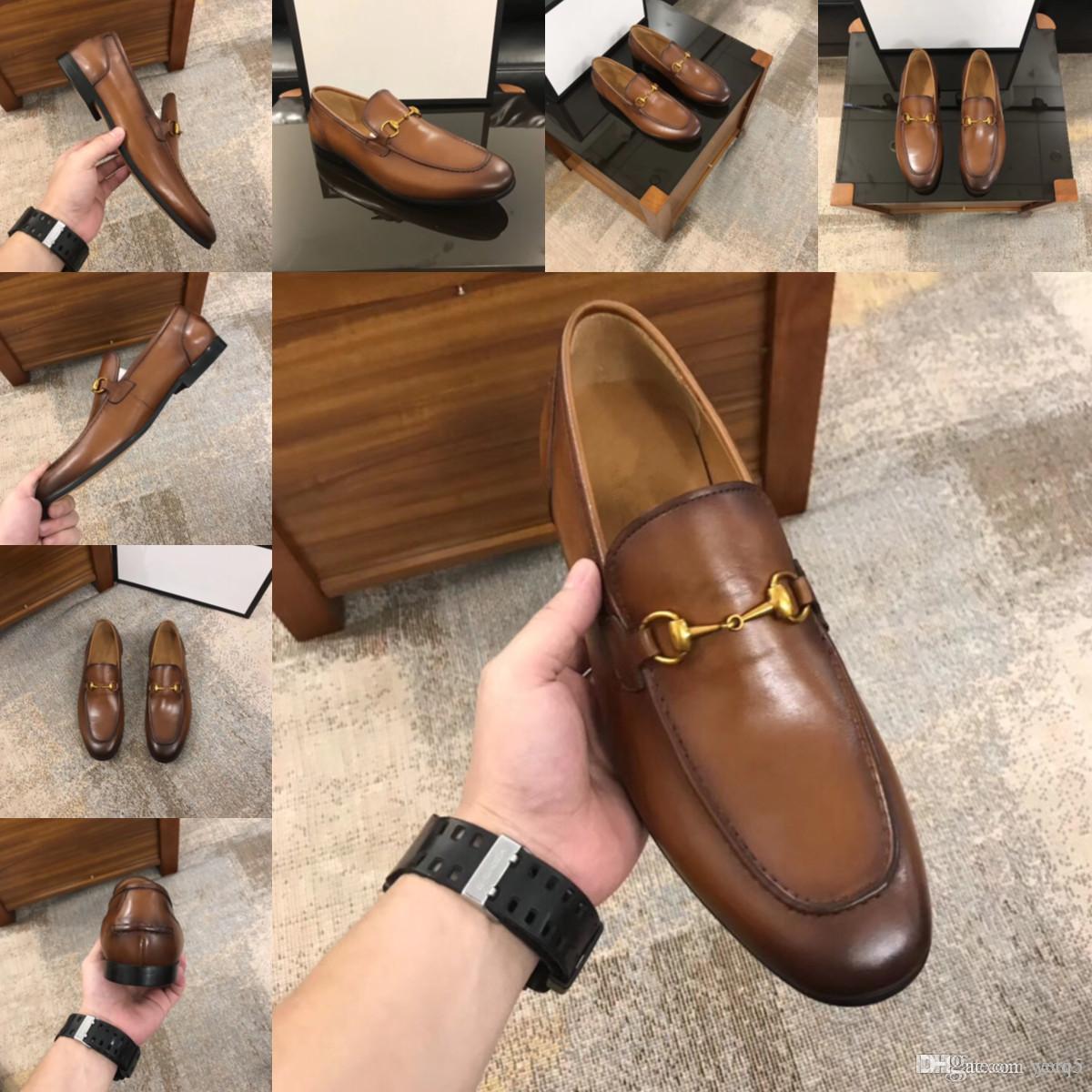 Scarpe casual da uomo di lusso in vera pelle Progetti di moda Designer Mens Mocassini Atmosfera Traspirante Slip On Black Formal Dress Shoes traspirante
