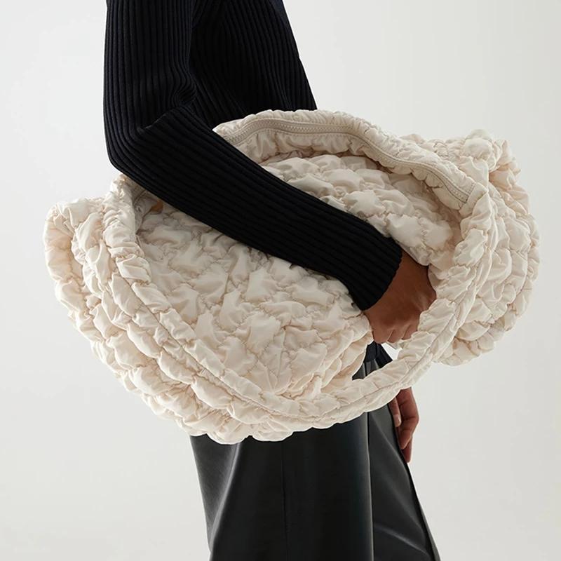 Femenino Big Monedero Primavera Casual Capacidad de gran capacidad Tote Bolsos de hombro Diseñador Bolsos de Lujo Down Crossbody Bag