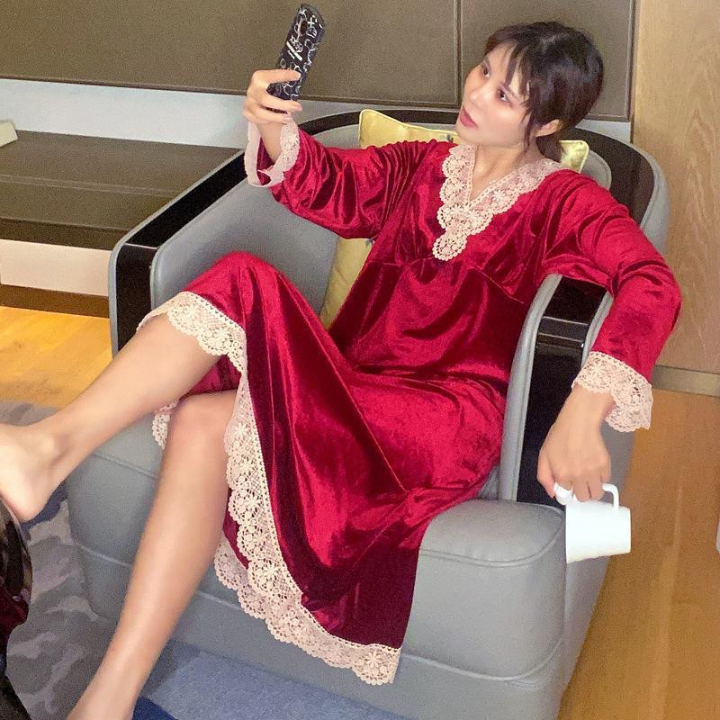 Lisacmvpnel 가을 겨울 여성의 잠옷 섹시한 V 넥 레이스 공주 황금 벨벳 긴팔 Nightdress
