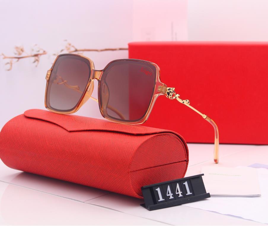Nuovo Arrivo Oversize Square Designer Sunglasses Donne Brand Metal Frame Grad Occhiali da sole Occhiali da sole per donna UV400