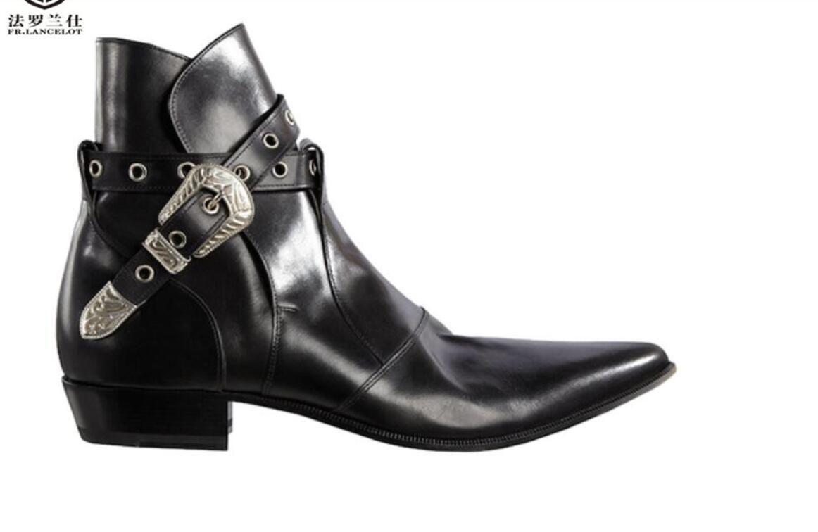 2020 Mode für Männer Stiefel britischen Art-Mann-Lederstiefel mit flachem Absatz Mode Herren-Stiefeletten Partei Schuhe mujer botas