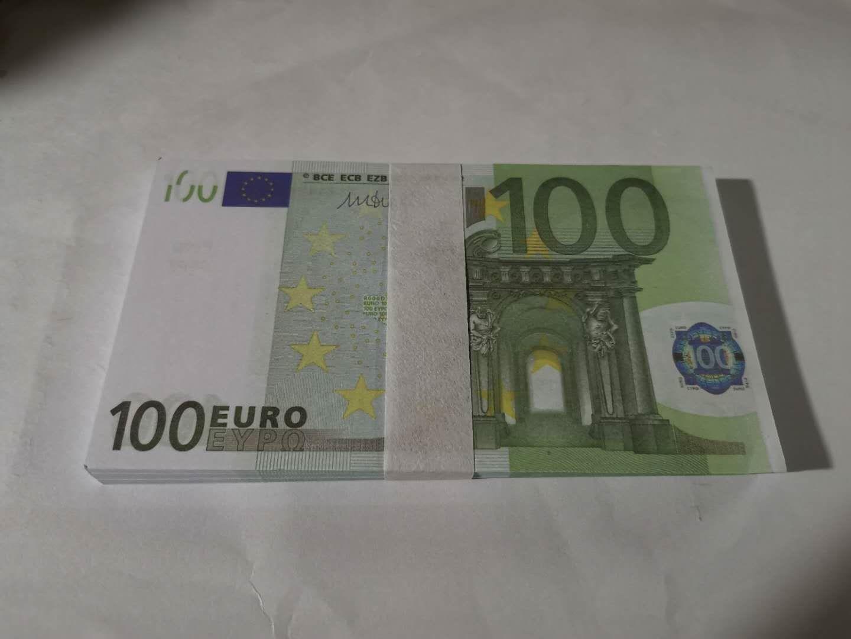 05 accesorios mágicos transfronterizos 100 euros 100 hojas Un paquete de simulación Euro Money Spray Pistola Euro juego Magic Bar Bar Props