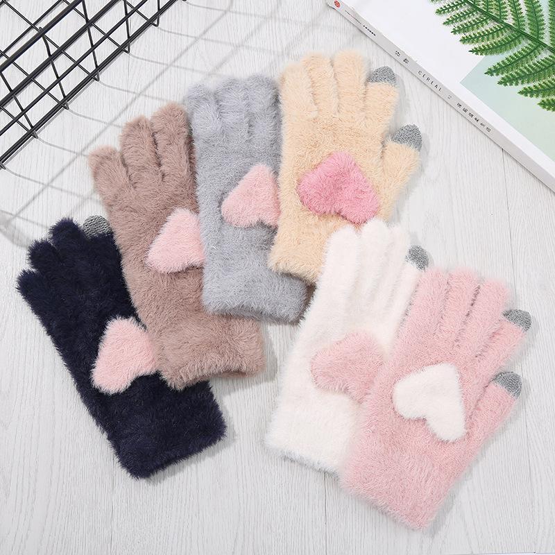 2021 hiver de femme chaude tactile écran gants mignon amour coeur complet gants de doigt tricoté peluche peluche movie mitaines