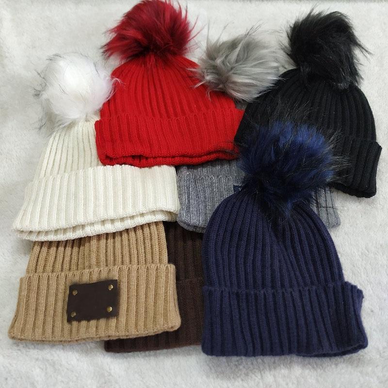 Il y a logo adultes épais chaud Chapeau d'hiver pour les femmes souple extensible par câble Bonneterie Chapeaux Bonnets Bonnets femme Skullies Fille Ski Cap