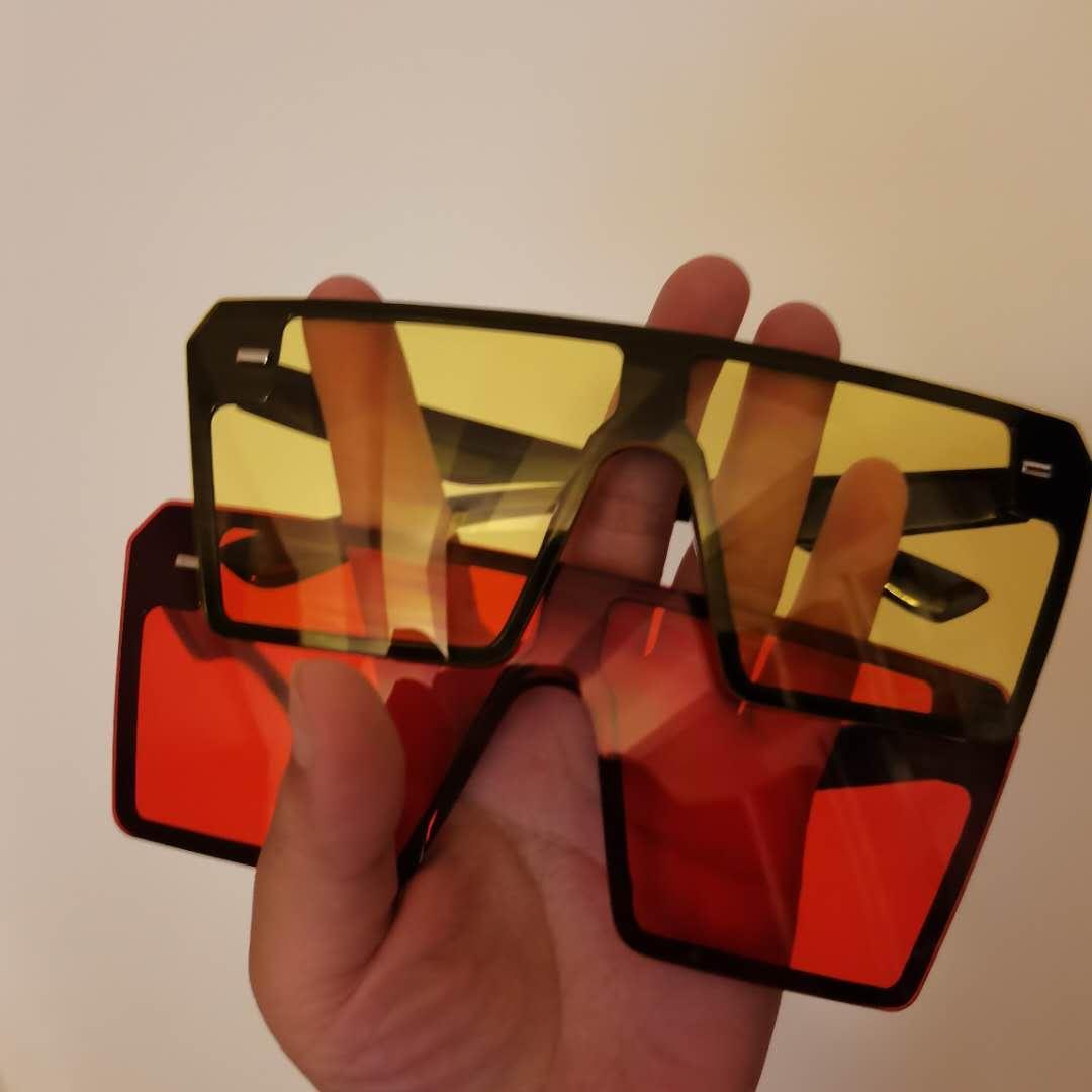 Летние 2021 Женщины Линс Путешествия Солнце Солнечные Мужские оттенки Мода Очки Мужские Очки квадратные Большие Черные Негабаритные Солнцезащитные Очки Градиентная рамка U XKGH