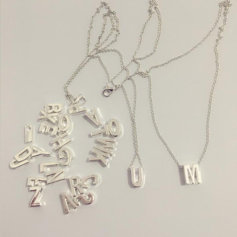 Lettere Nome iniziale Collana 26 Alfabeto Coppia Pendente Ciondolo Gioielli di fascino per le donne Moda Amore regalo