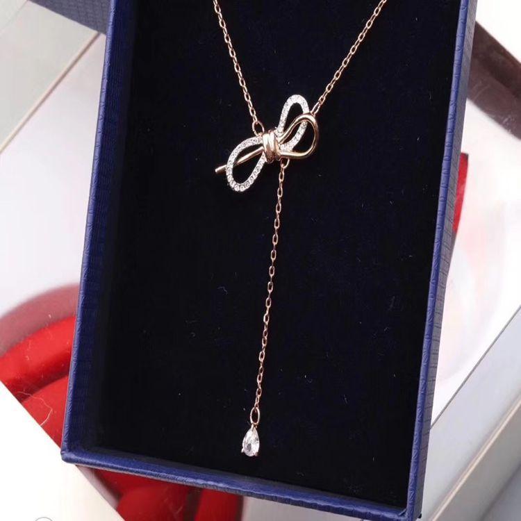 2021 Pendentif flash de haute qualité Haut Crystal Stone Dame Collier Décoratif Collier Designer Bijoux Couple Couple Pendentif