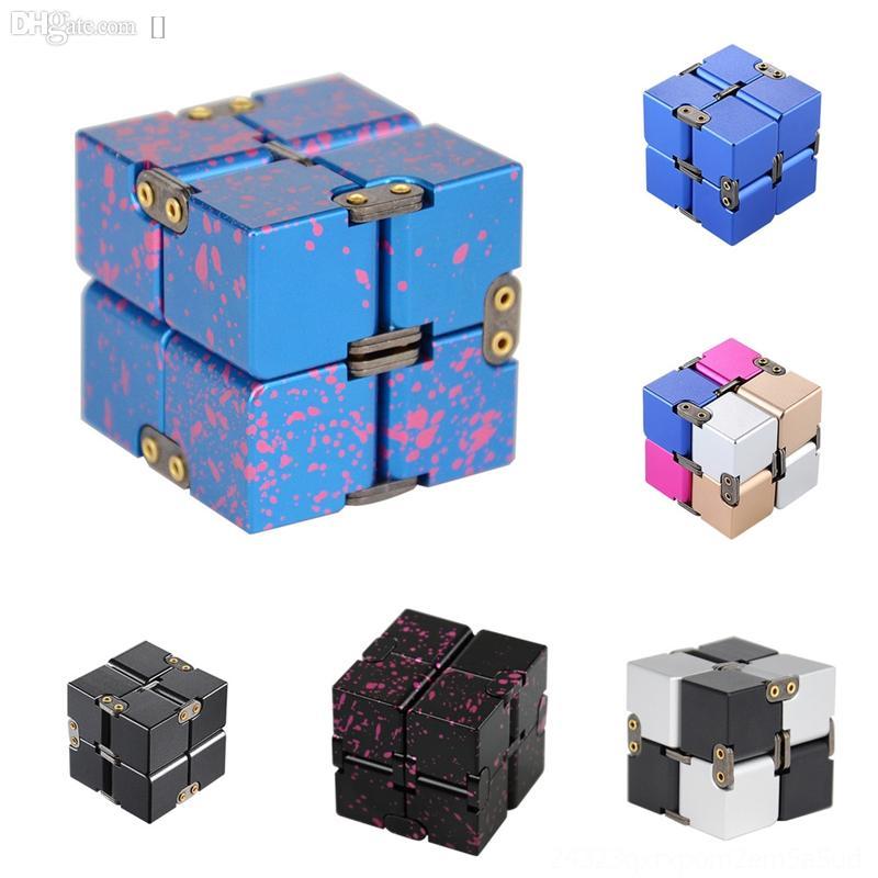 T9emn gioielli in argento cubo in lega di alluminio rotondo decompressione di decompressione Rubik Gear Rubik's Infinite Cube Metal Diamond Zircon Flash Cube Pendant