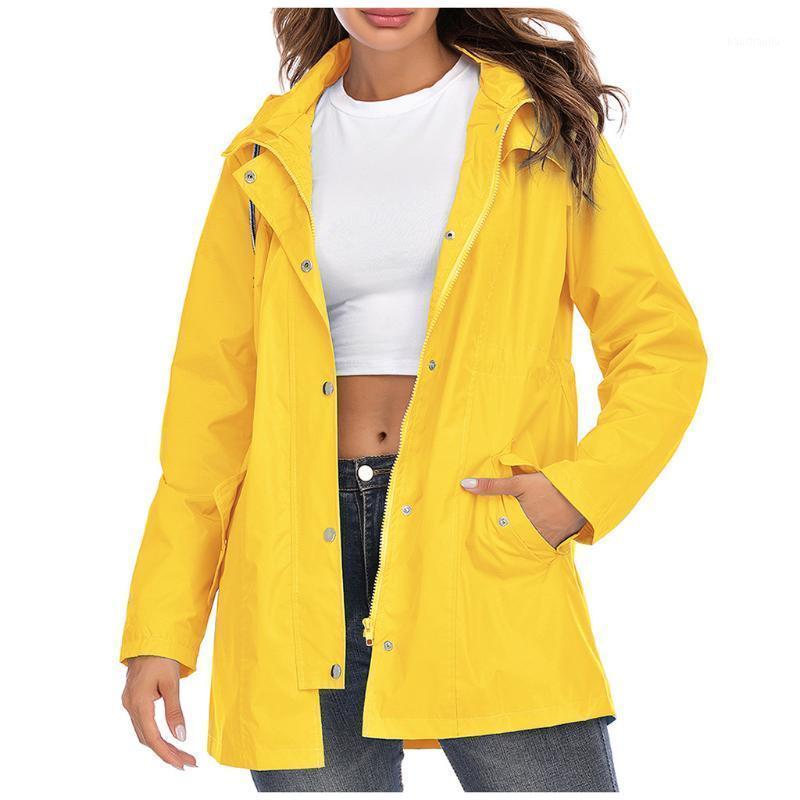 Feamle ветрозащитный водонепроницаемый на молнии на молнии горячее пальто водонепроницаемый кемпинг куртка дождевик на открытом воздухе на открытом воздухе, теплые походы F1 RNBCL