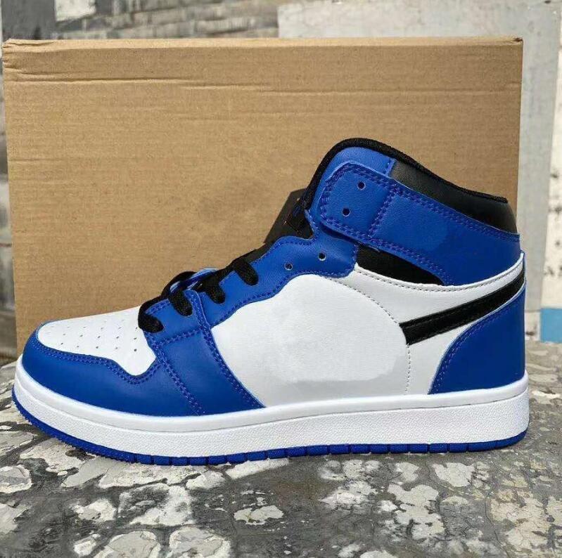 Classic Mens 1s Sneakers Sneachers Mocassini Moda OG High Top Pelle Casual Skateboard Shoes Outdoor Men Donne Scarpe sportive 36-44