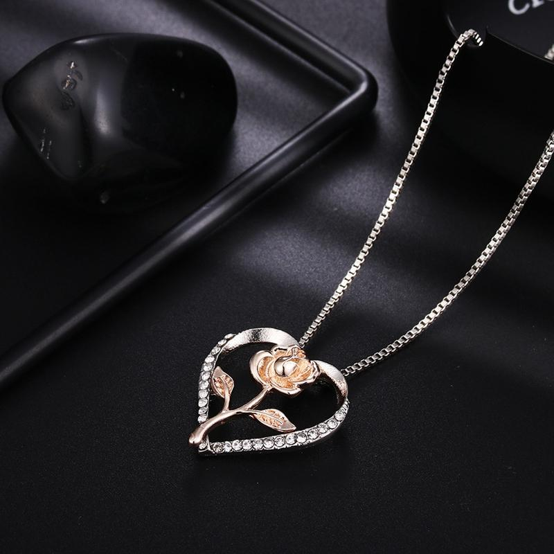 Hot Sale 10pcs Europe and the United States selling personality Love heart Rose Two-tone Necklaces Female birthday party valentines Day