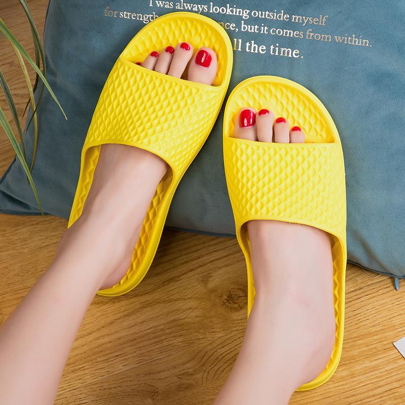 2021 летние крытые тапочки без скольжения домашняя обувь мужчины и женщины сплошные цвета китайский дезодорант мягкие дна сандалии новые пары моделей