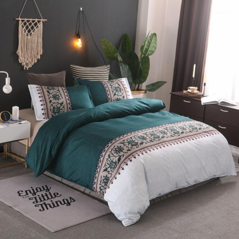 Cama minimalista Cubierta de edredón Set de edredón europeo Juego de ropa de cama Suelta Sólido Patrón reversible Conjunto de cama Rey Tamaño 1