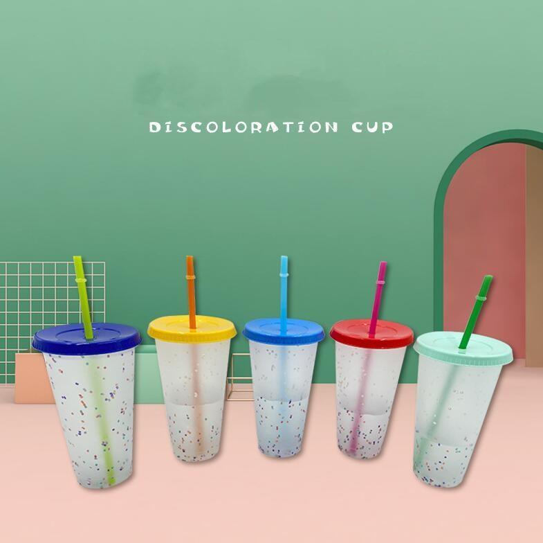 Bicchieri di plastica di plastica magica della tazza di coriandoli che cambiano colore da 24 once con il coperchio e la tazza fredda riutilizzabile della paglia tazza di birra della tazza di birra cca12574 50pcs