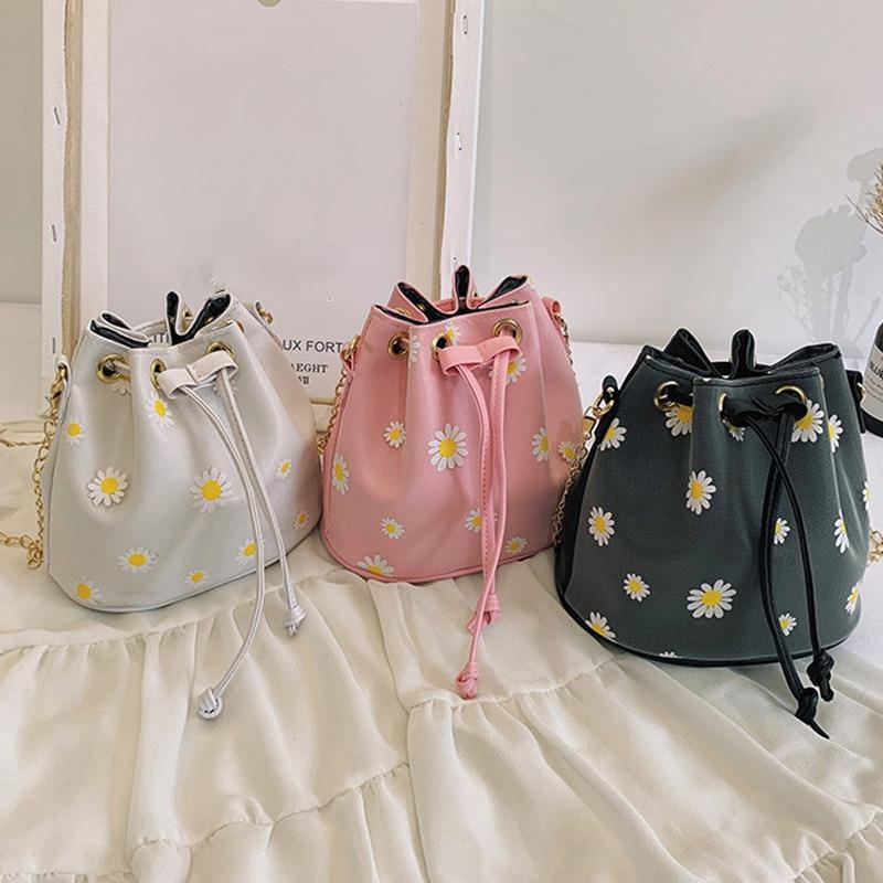 Мода женская кожаная кожаная ромашка DrawString маленькая сумка цепная сумка сумка новая мини ведро USSQT