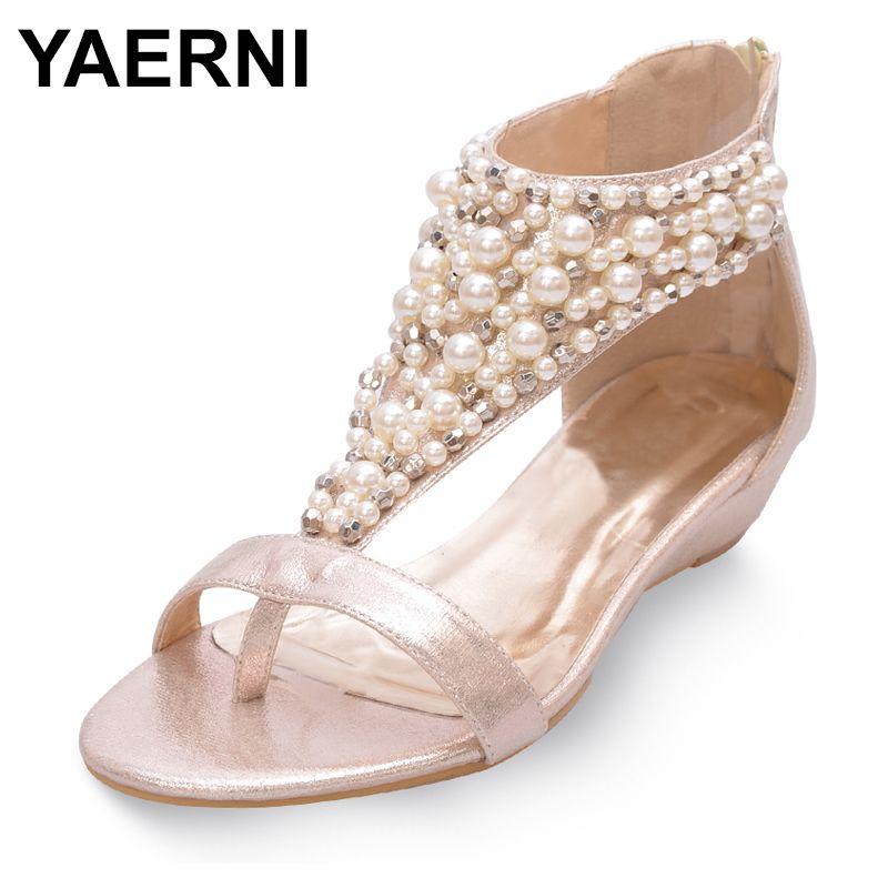 YAERNIDesigner T-correa de las sandalias de las mujeres que rebordea las perlas negro de lujo / flip flop de oro pequeñas cuñas gladiador sandalias de las mujeres shoesE1130 1010