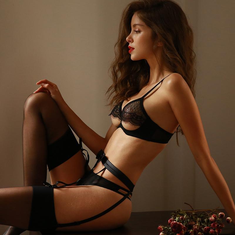 Sexy Lingerie Kadınlar Sutyen Seti Işlemeli Ultra-ince Dantel Baştan Çıkarma Lenceria Iç Çamaşırı Kulübü Kıyafet Siyah Bikini Ve Külot Seti Y1230