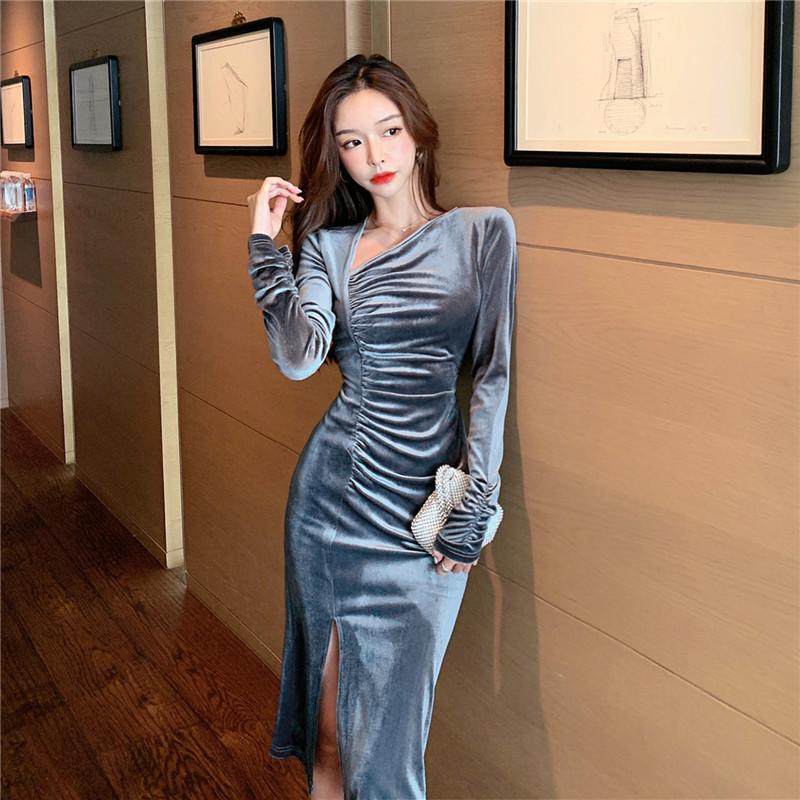 Повседневные платья Real S 2021 Осенью и зимняя носить модные темпераментные дамы с длинным рукавом V-образным вырезом бархатное платье