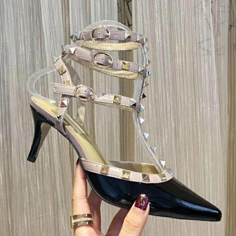 Designeur Slingback pompes Sandals Motif de rivet 100% cuir Chaussures à talons hauts Banquet Sexy Party Party Beach Mariage pointu Stiletto talons grande taille 34-39-41-42 US4-US111