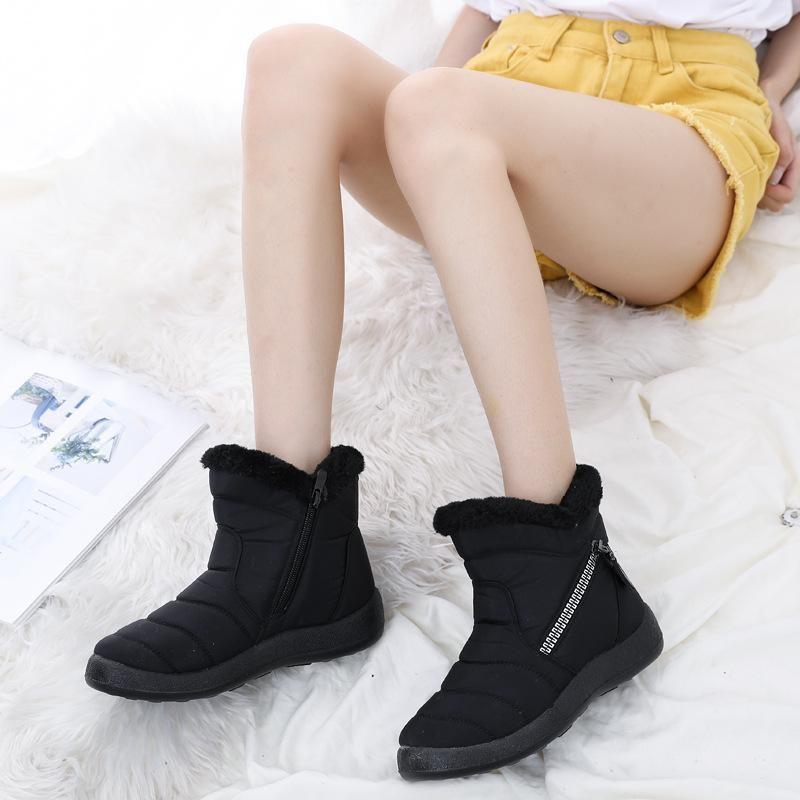Inverno Waterproof Mulheres neve Botas Com Plush Moda manter aquecido Sapatos ao ar livre para miúdos grandes Adulto Tamanho 35-43