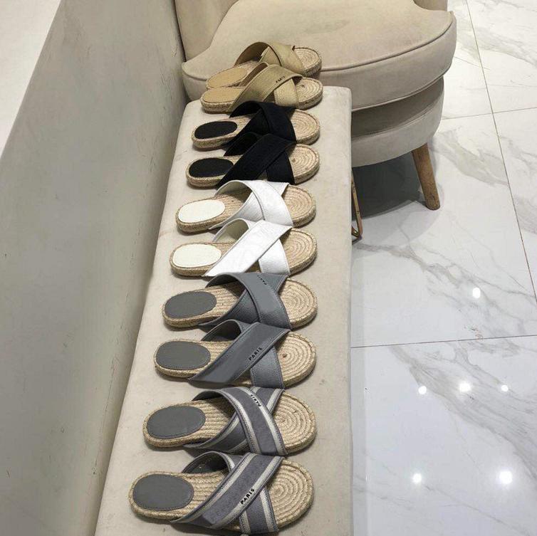 NUEVA VENTA CALIENTE CALIENTE Moda Slippers Paris Mujeres Paja Zapatillas Scruff Zapatillas Summer Playa Diapositivas Slippers Ladies Flip Flobs