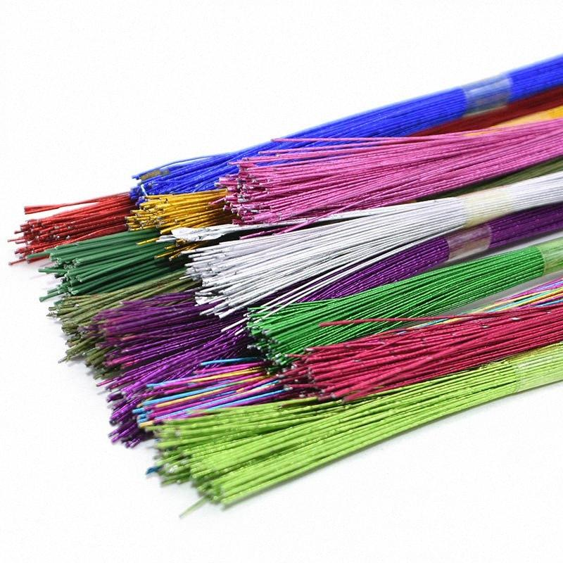 25pcs / lot 0.45mm 80cm Blumen-Papier-Draht benutzt für DIY Nylon-Strumpf-Blumen Herstellung der Kunstseide-Zubehör Eisendraht YbMc #