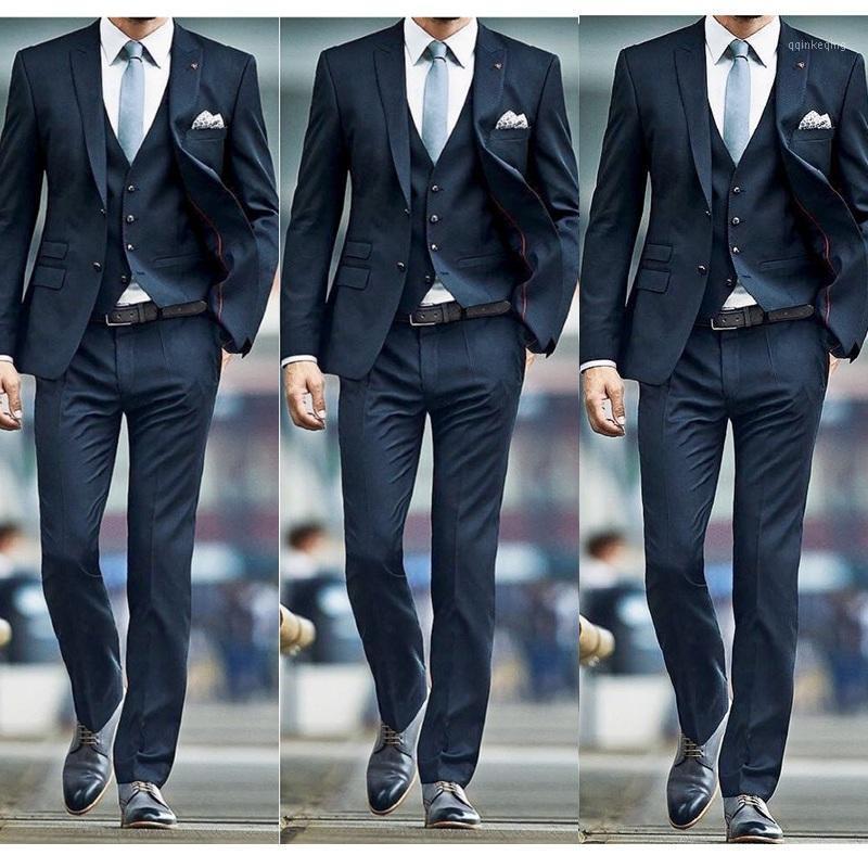 Abiti da uomo personalizzati per il tempo libero New Fashion 2020 Abiti da uomo per Groom da sposa Classic Outfit Man Blazer 3pieces (Giacca Pant Vest) B191