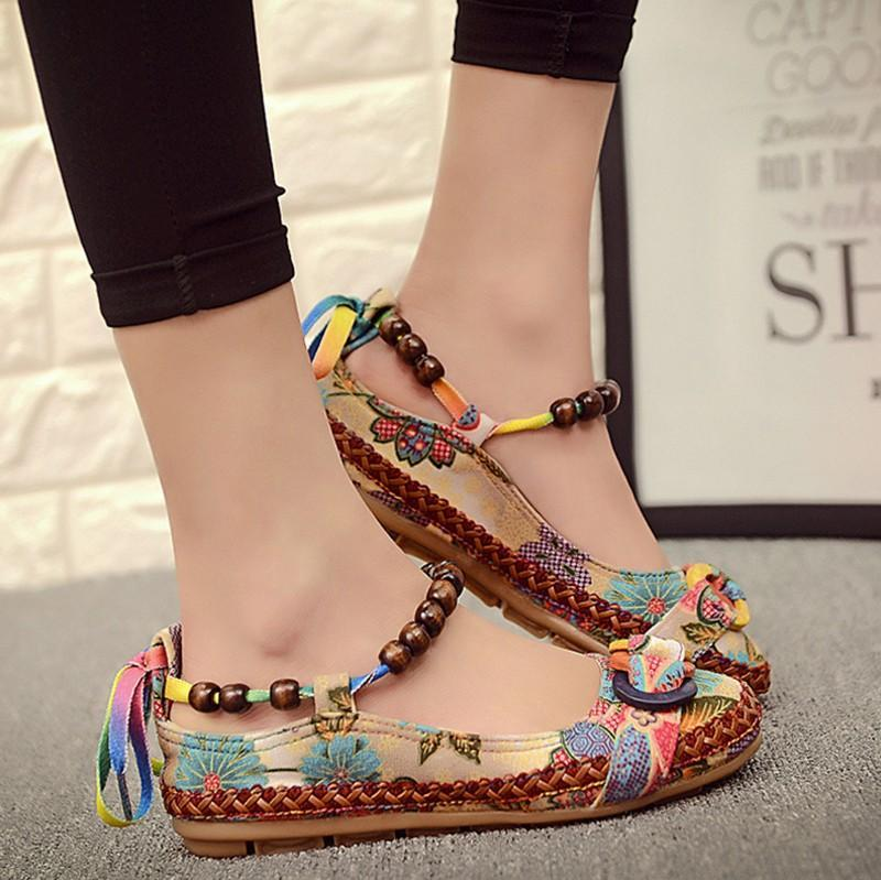 Dropshiping Top-Qualität beiläufige Frauen Flats Handgemachte wulstige Ankle Straps Loafers Zapatos Mujer Retro ethnische gestickte Schuhe