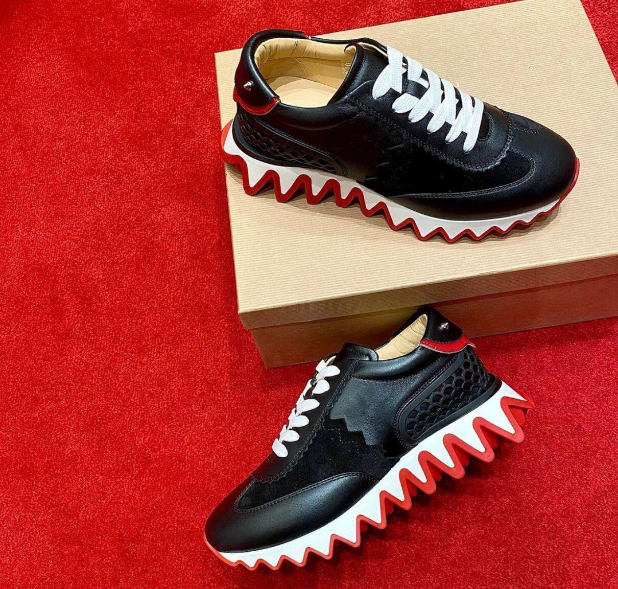 Famosos 2021s / s Pareja al aire libre ¡Deportes! Pisos de zapatillas de deporte de loubiskark de calidad T para hombres, mujeres zapatos casuales para caminar mejor regalo 35-47
